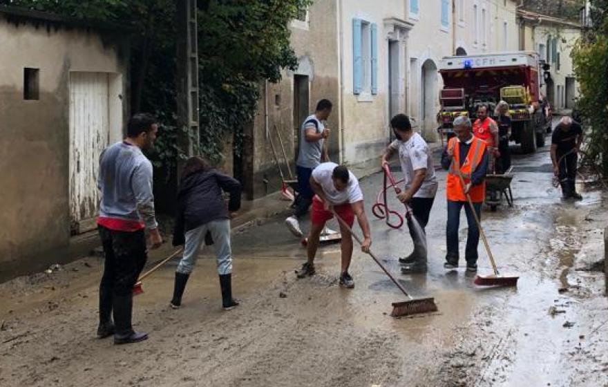 L'équipe professionnelle de l'ASBH solidaire du voisin Audois