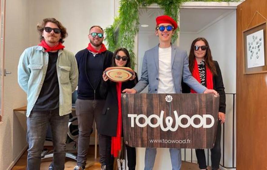 Tous au soutien : Toowood